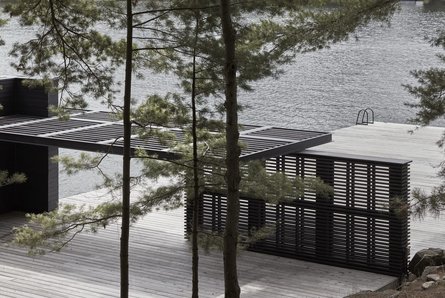 Lake Rosseau Boathouse – Guest Residence by Akb Architects