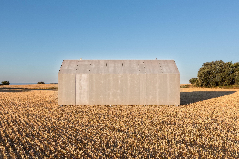 Portable Home ÁPH80 by Ábaton Arquitectura