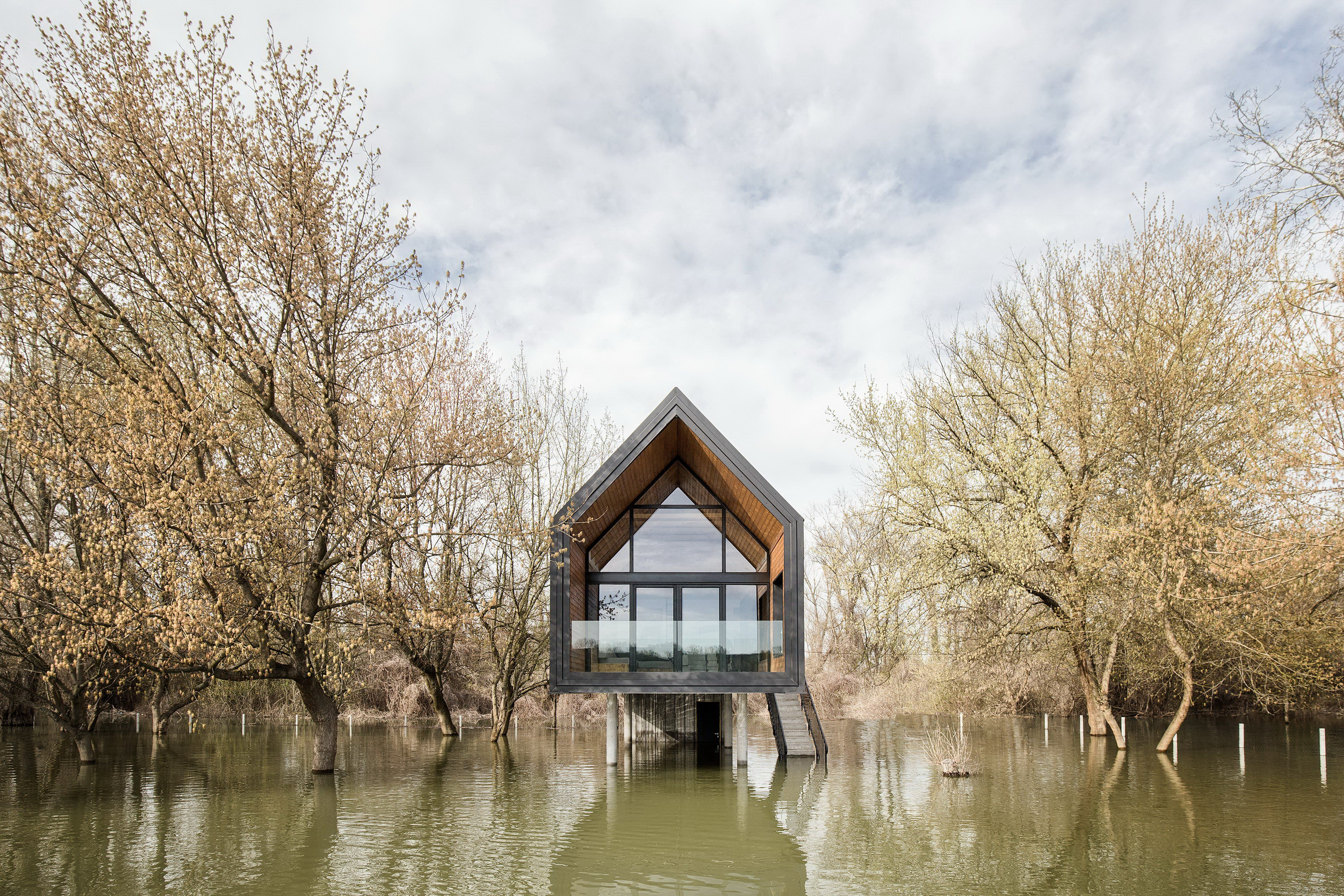 Small River House by Remorker Architects
