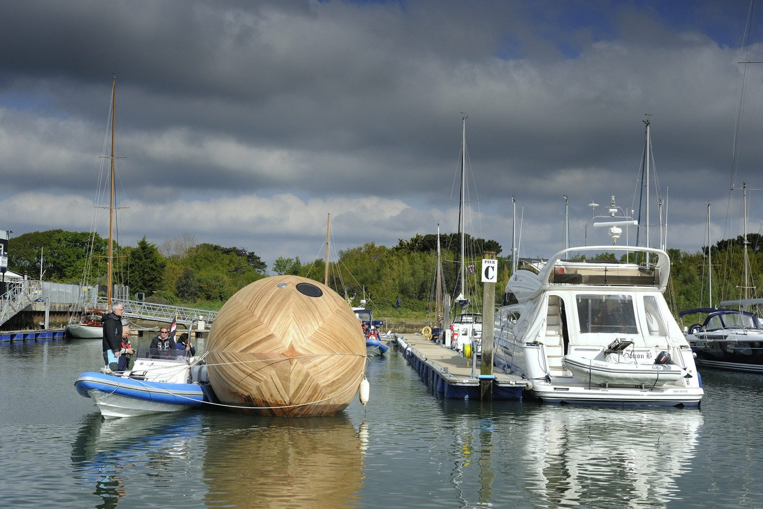 The Exbury Egg – Floating Off-Grid Home