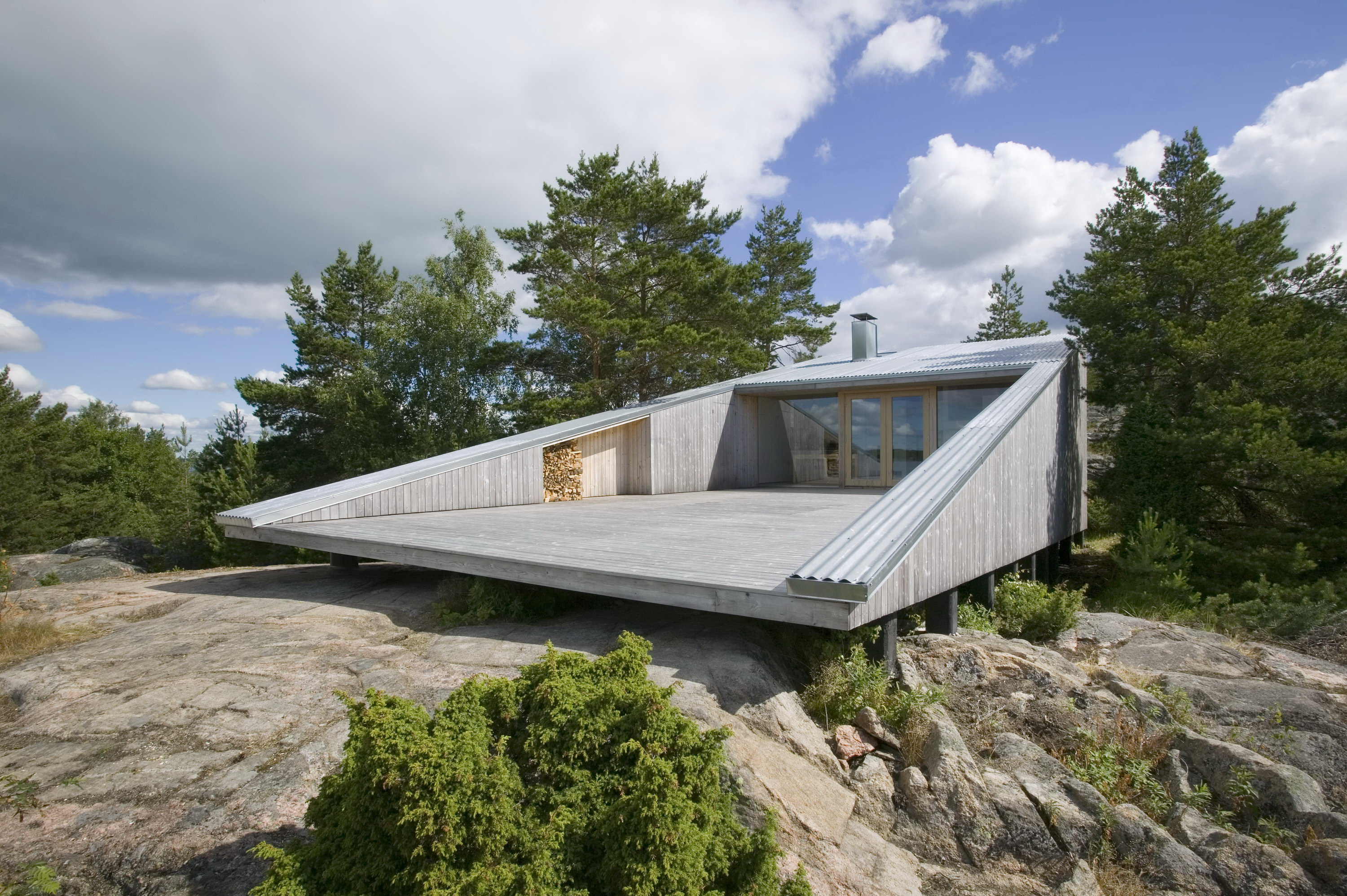 Villa Mecklin by Huttunen-Lipasti Architects