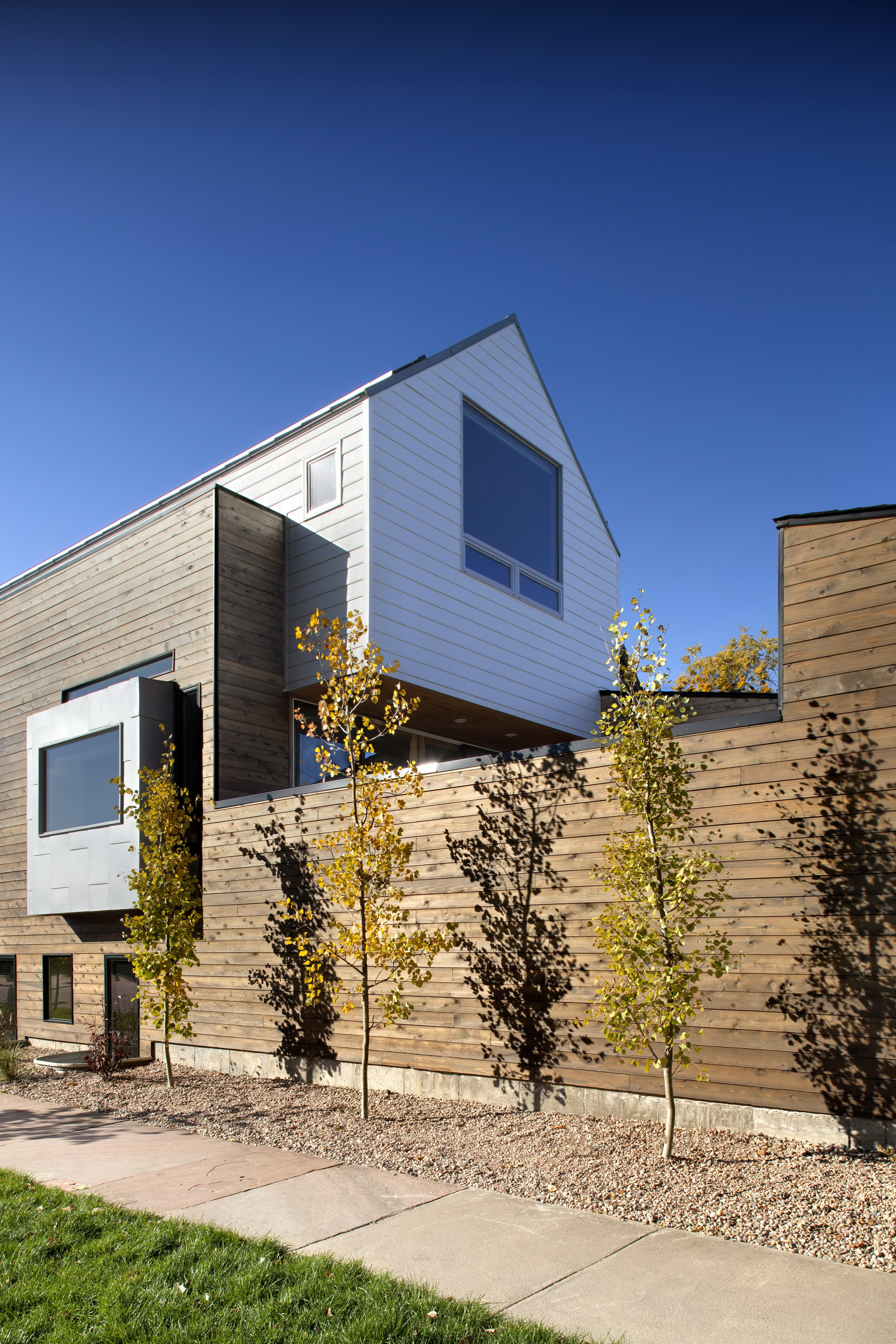 33rd Street House by Meridian 105 Architecture