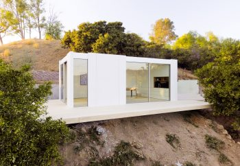 Backyard Studio in LA – Prefab Cabin by Cover