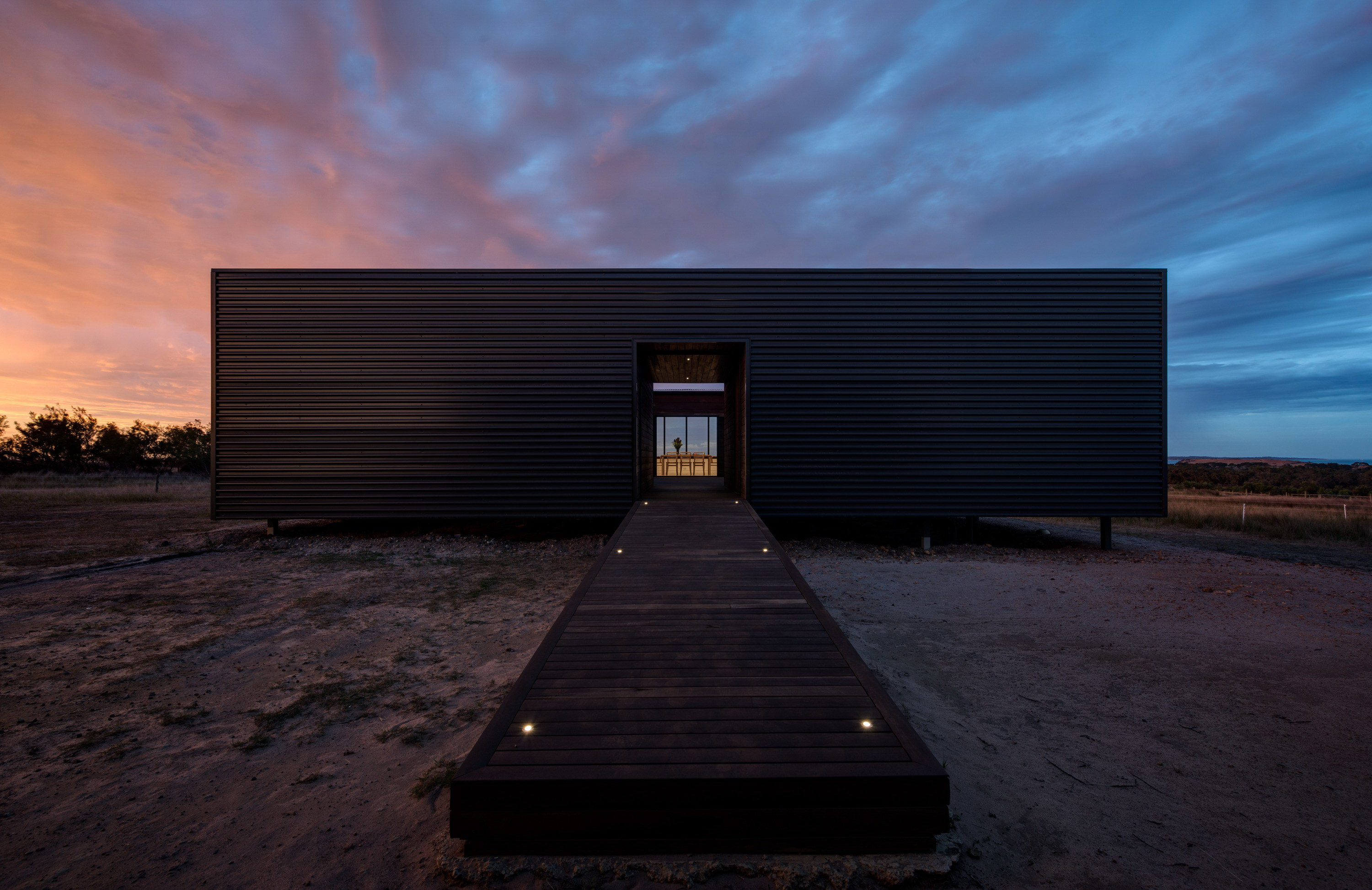 Caravanserai – Off-Grid Prefab House on French Island