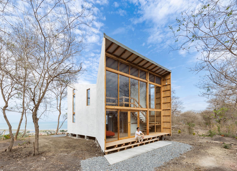 Don Juan House by Emilio López Arquitecto