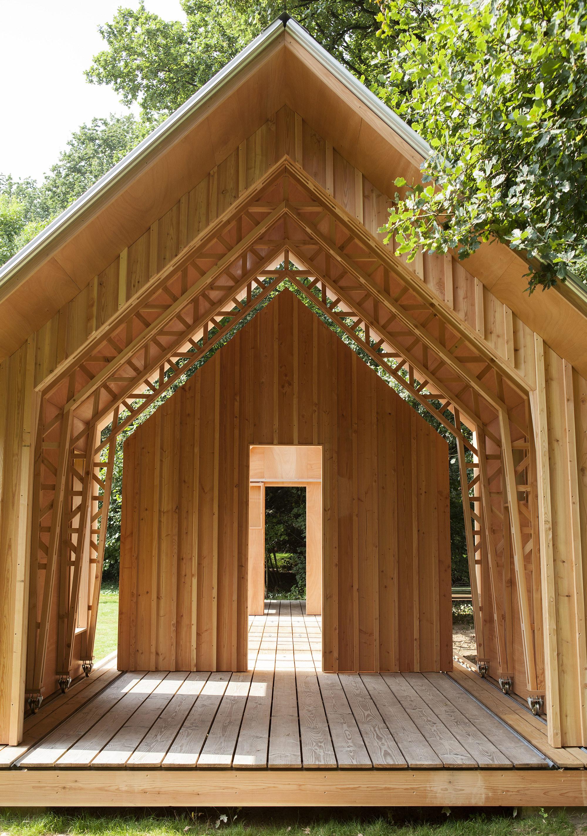 Dynamic Garden House by Caspar Schols