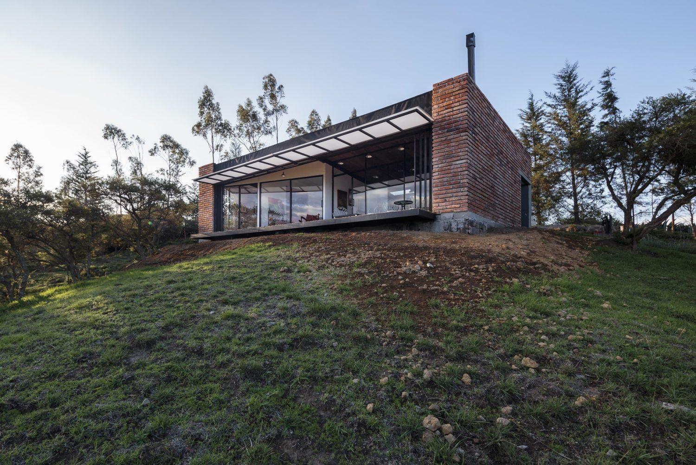 El Guarango House by Bernardo Bustamante
