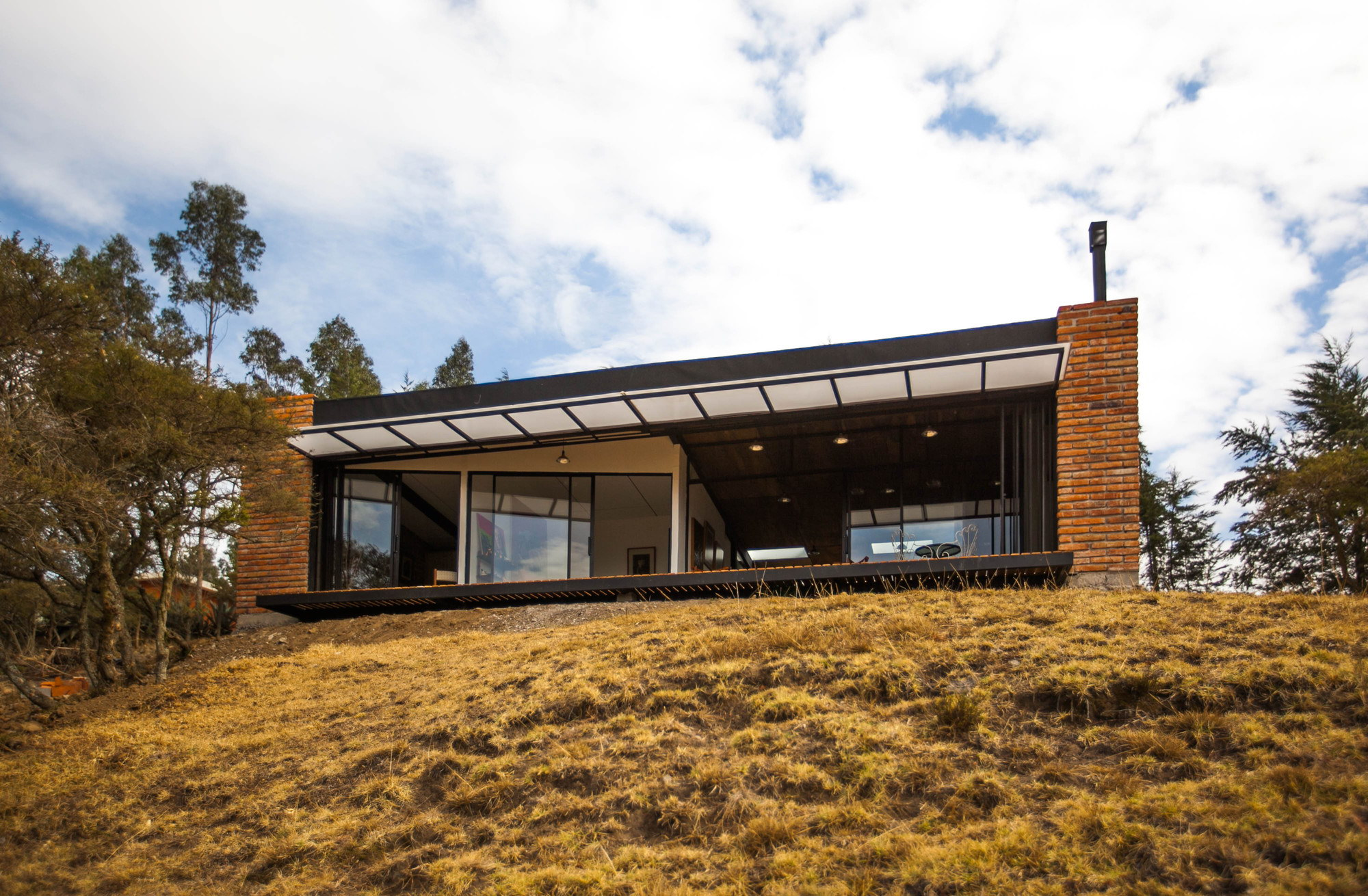 El Guarango House by Bernardo Bustamante