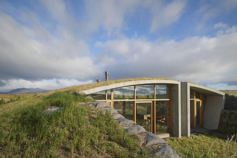 Garður Landhouse. Icelandic Turf House by Studio Granda
