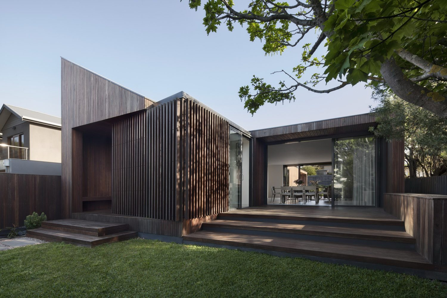 Humble House – Coastal Home by Coy Yiontis Architects