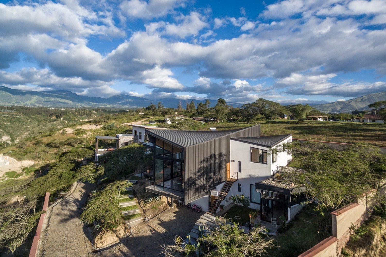 Las Peñas House by C3V Arquitectura