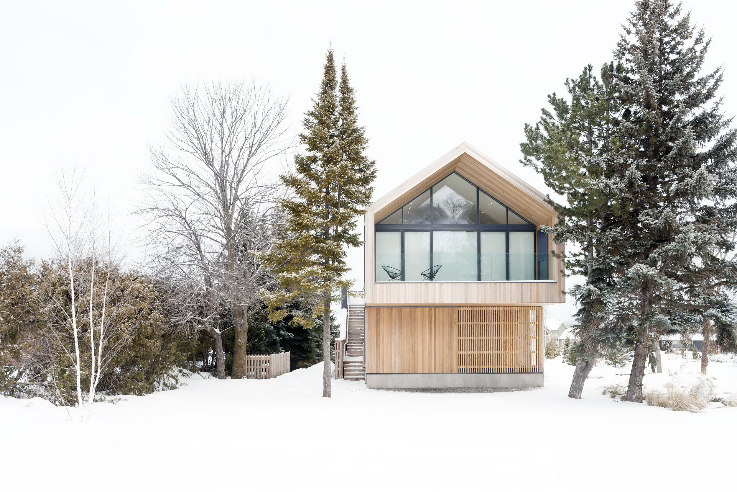 Maison Glissade – Ski Chalet by Akb Architects