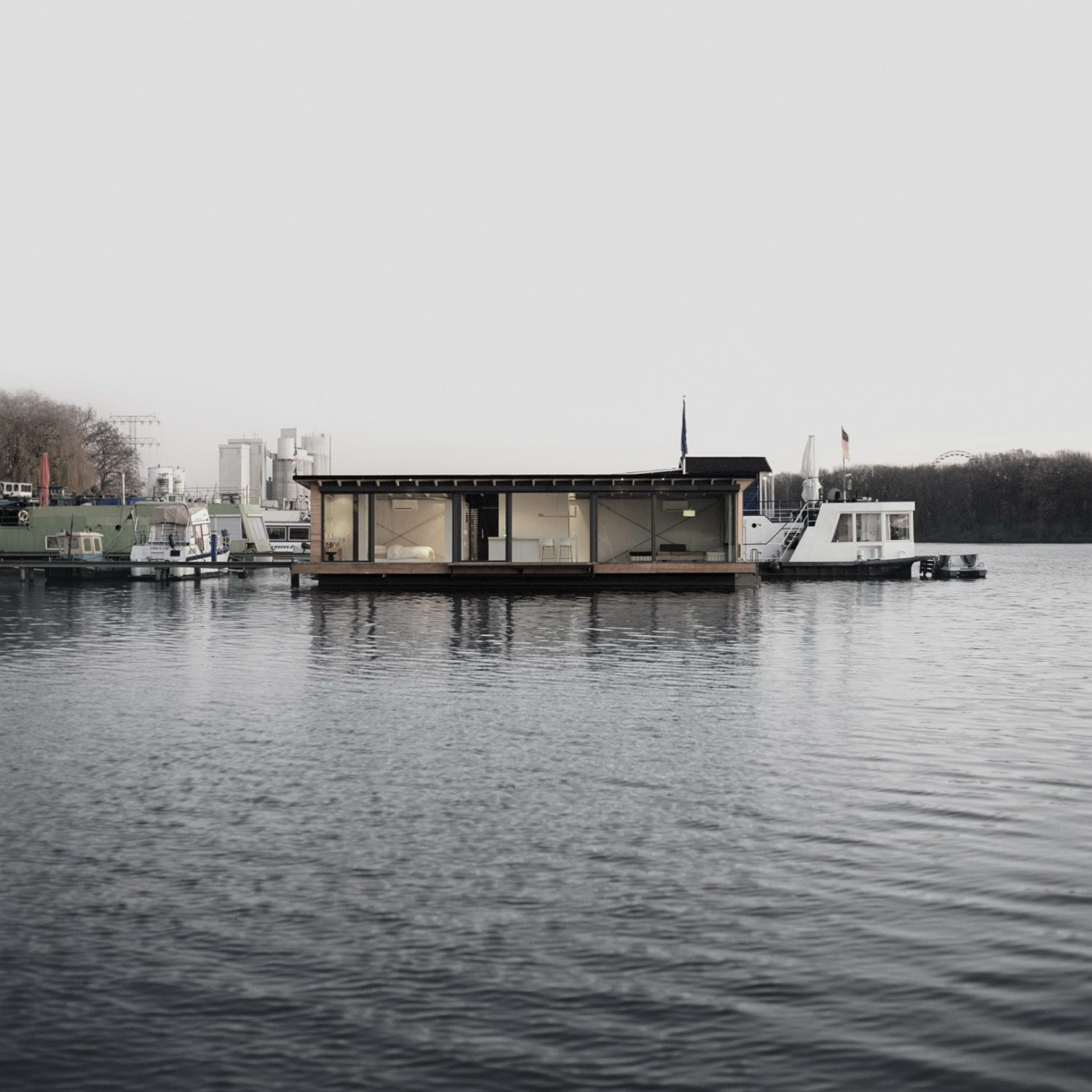 Modern Houseboat in Berlin
