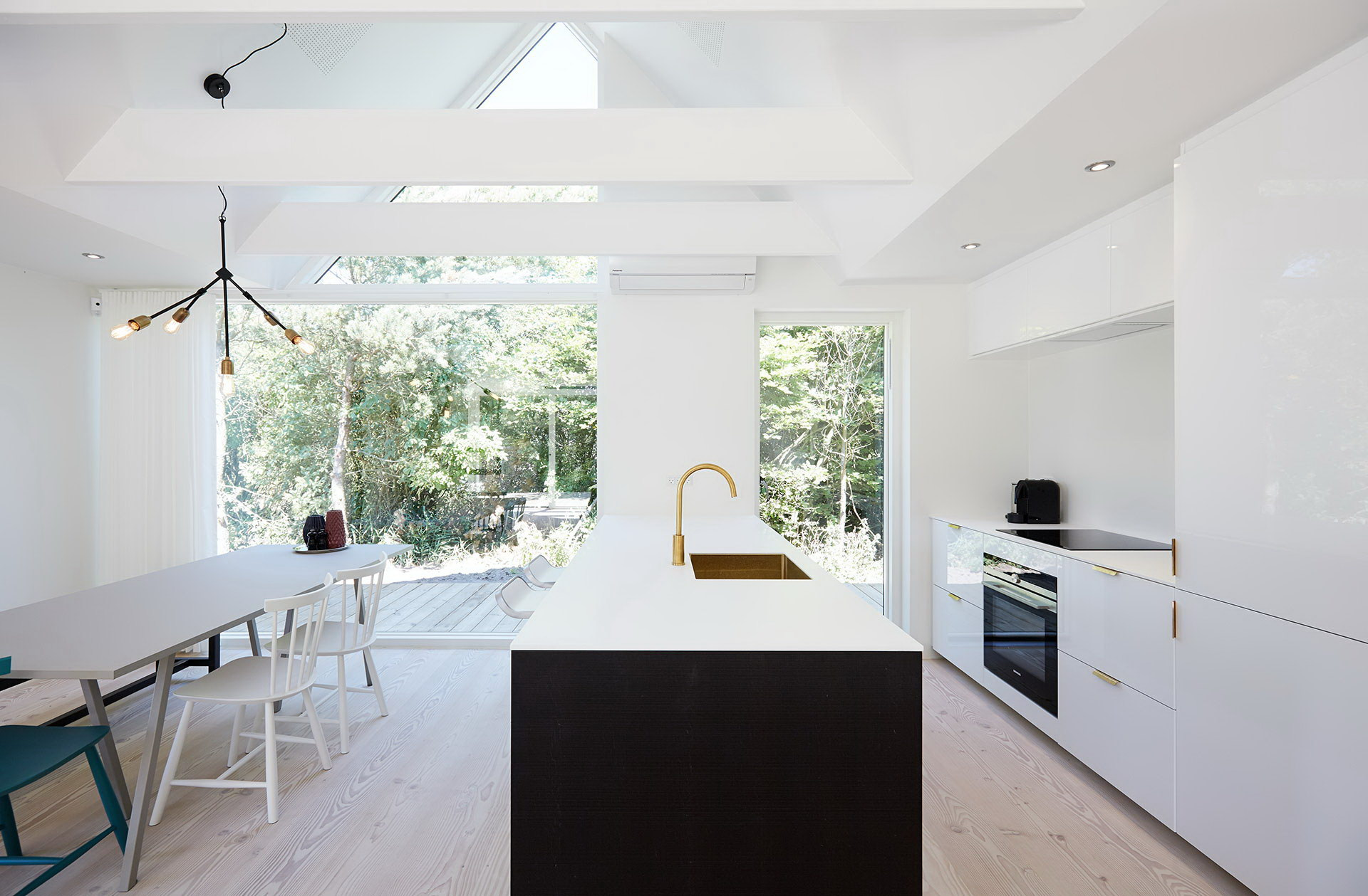 Woodhouse – Holiday Home by Puras Architects