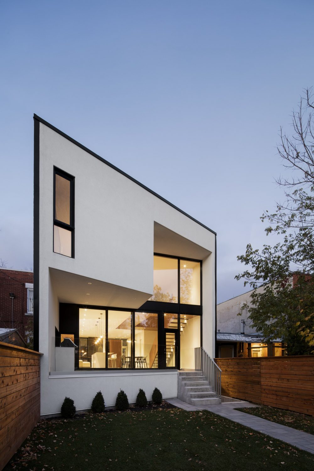 1st Avenue Residence – Terraced House Renovation by Microclimat