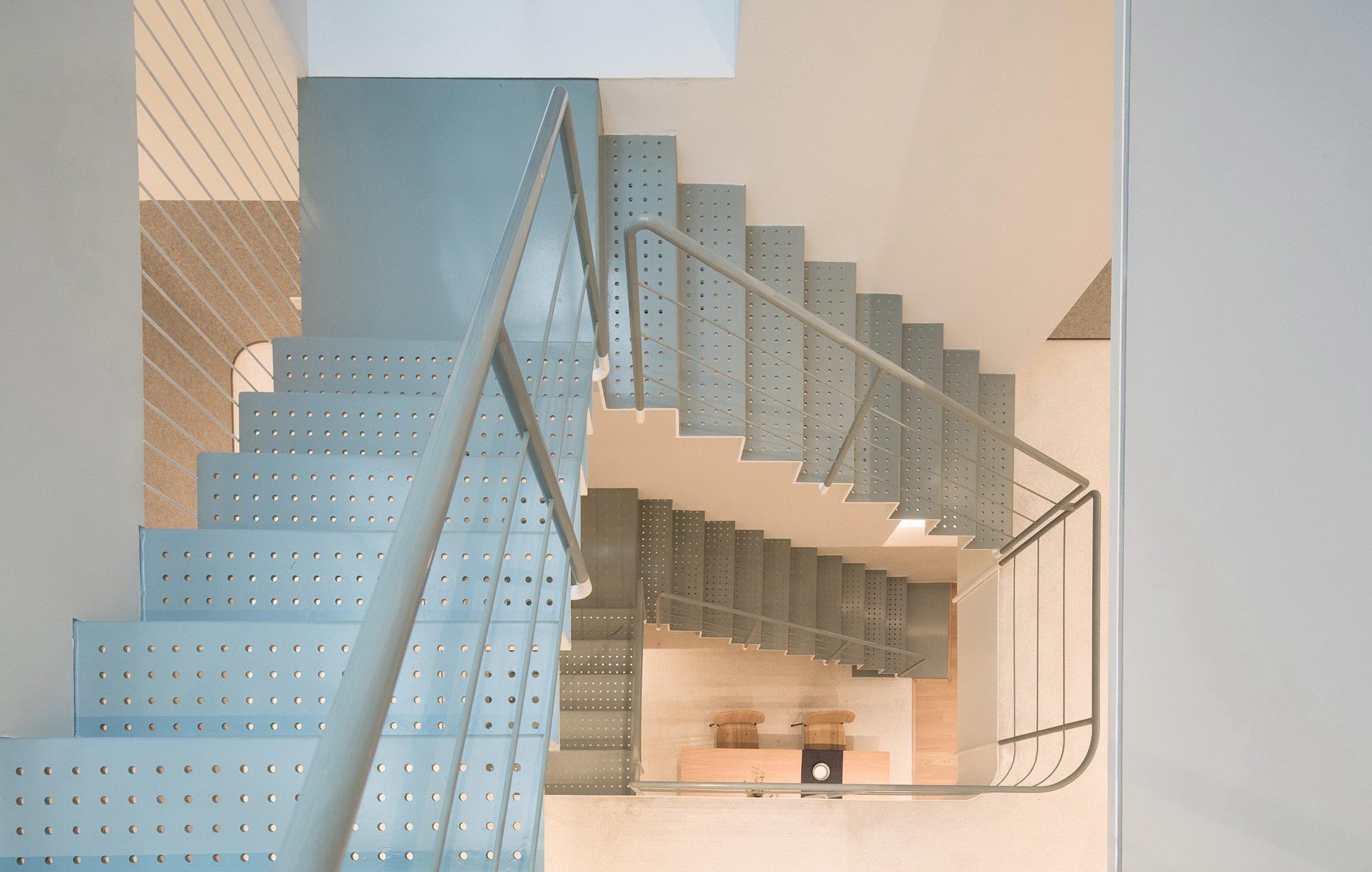A White House, A Growing Home by RIGI Design