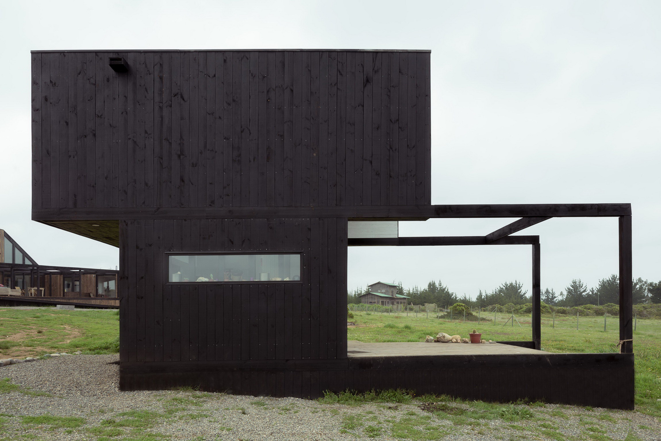 BL II House | Hammer Cabin by UMWELT