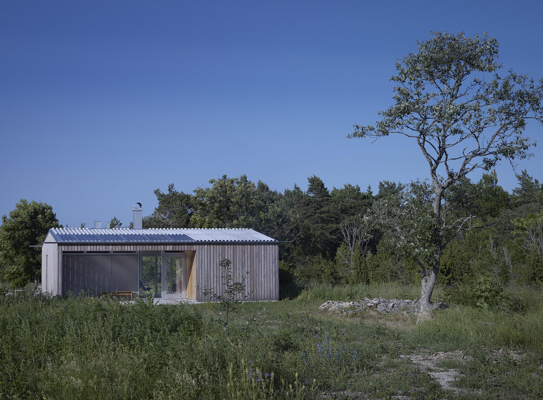 Gammelgarn Mattsarve – Small Summerhouse by LLP Arkitektkontor
