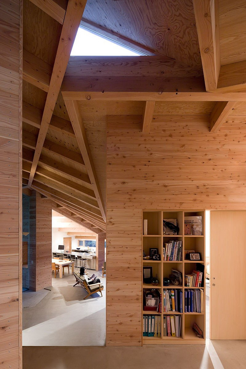 InBetween House by Koji Tsutsui Architect and Associates