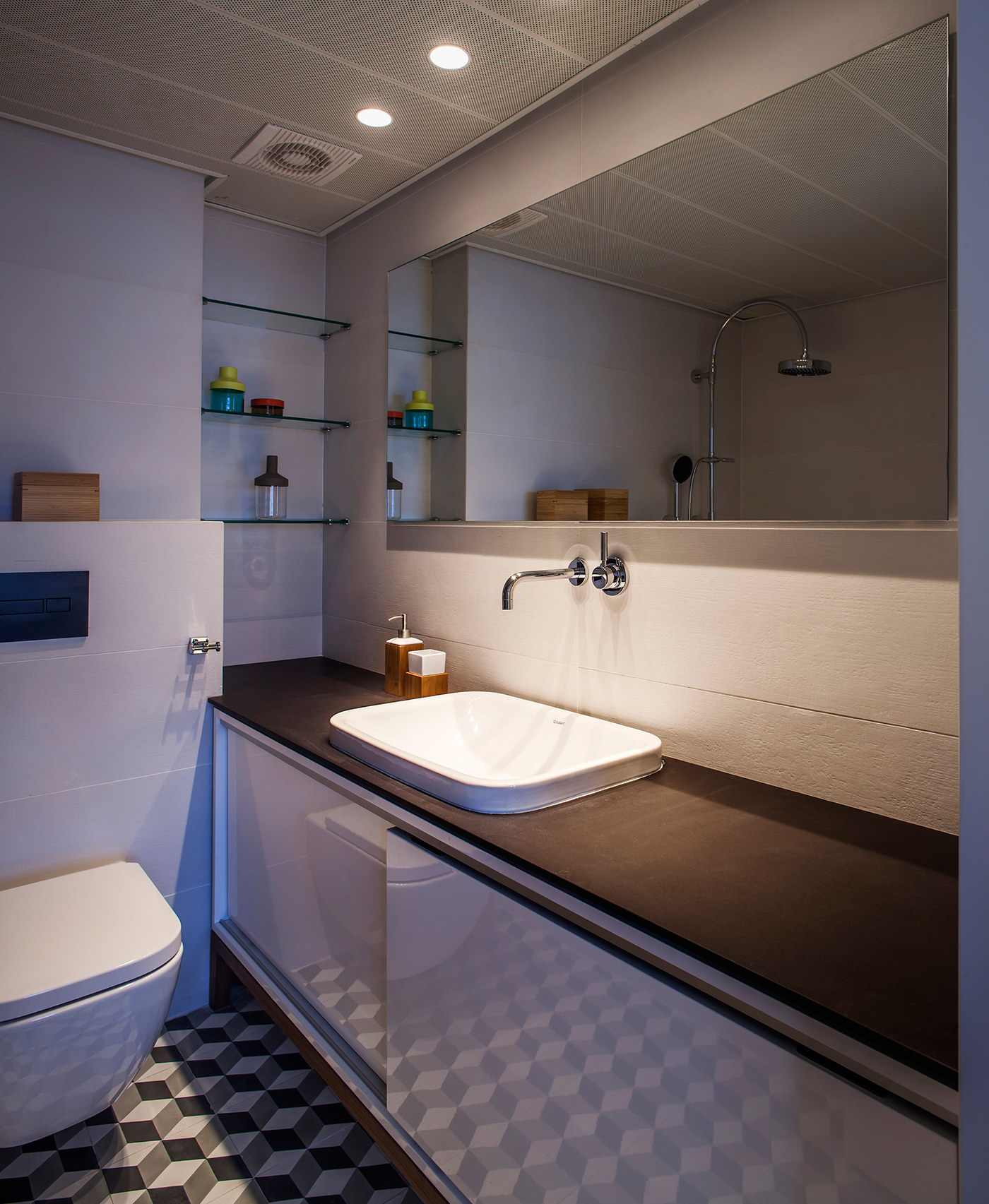 King David Luxury Apartment by Roy David Studio