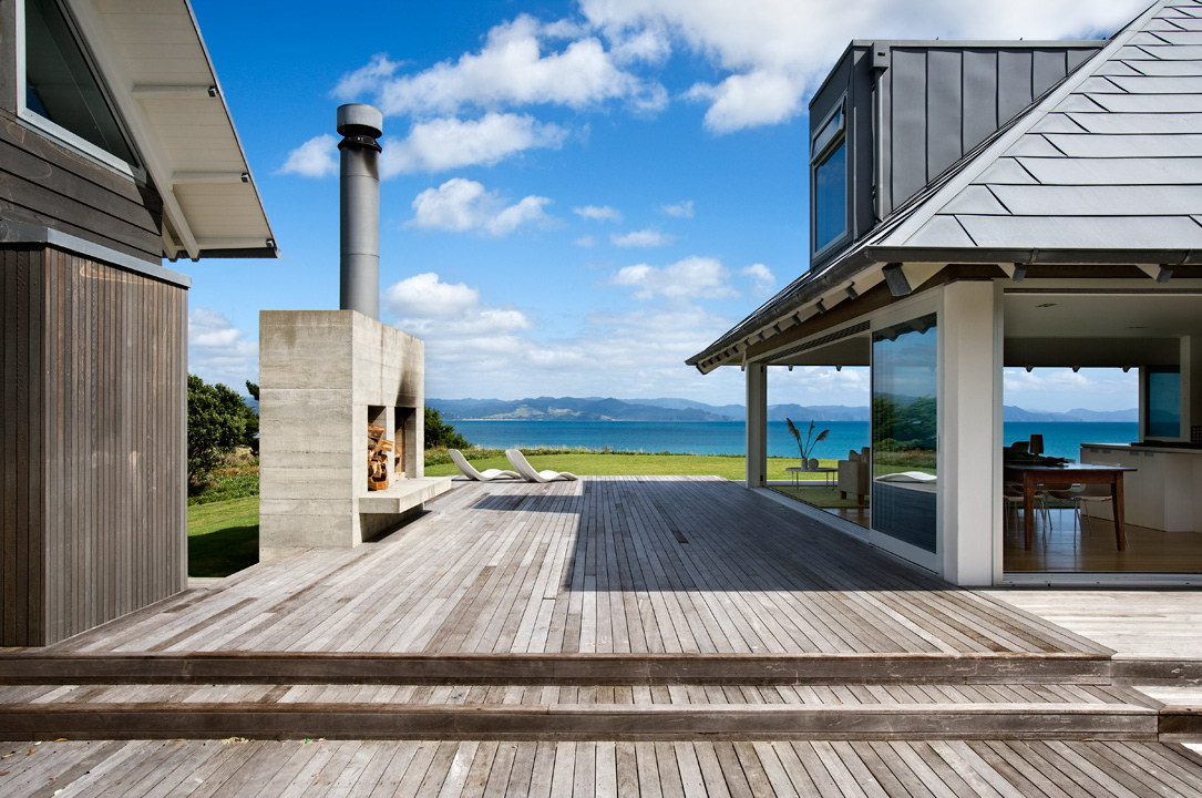 Kuaotunu Beach House by Crosson Clarke Carnachan Architects
