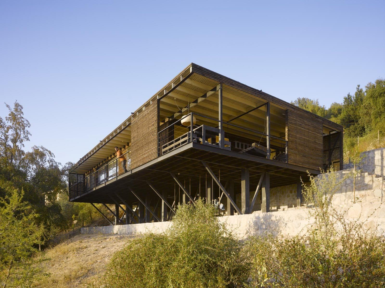 Raúl House in Chile by Mathias Klotz