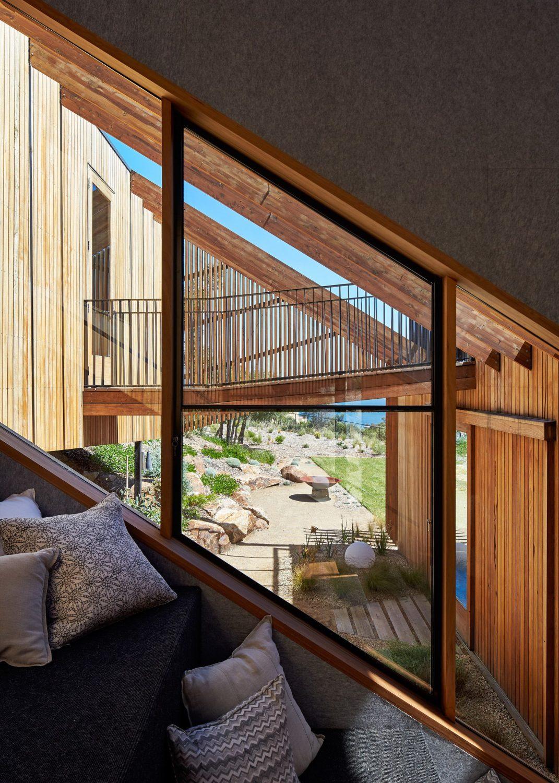 Split House by BKK Architects