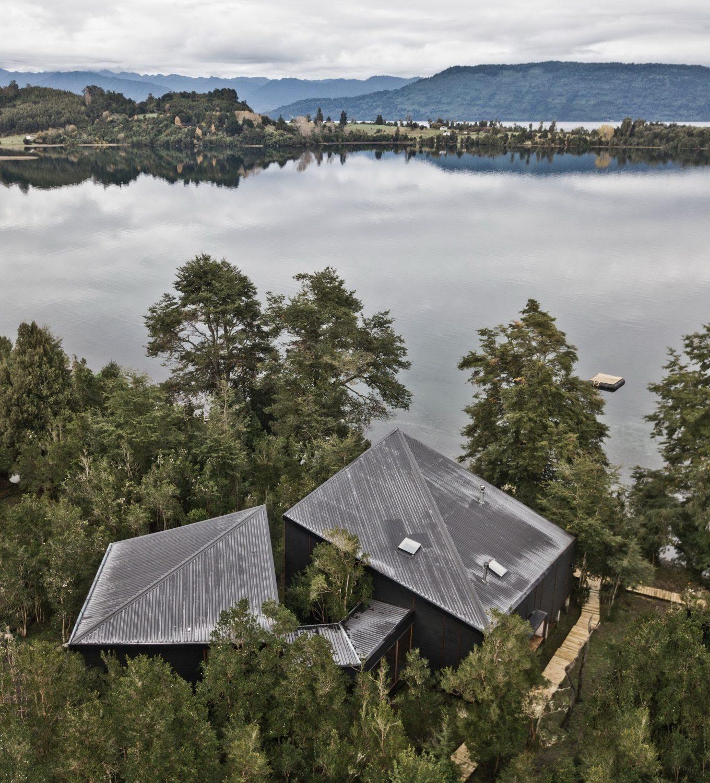 Split House – Lakeside Retreat by Hsu-Rudolphy