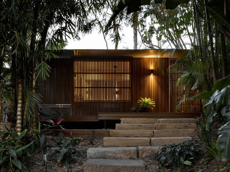 The Garden Bunkie   Tiny Backyard Studio by Reddog Architects
