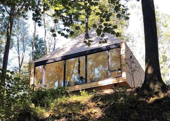 The Hut | Off-Grid Cabin by Midland Architecture
