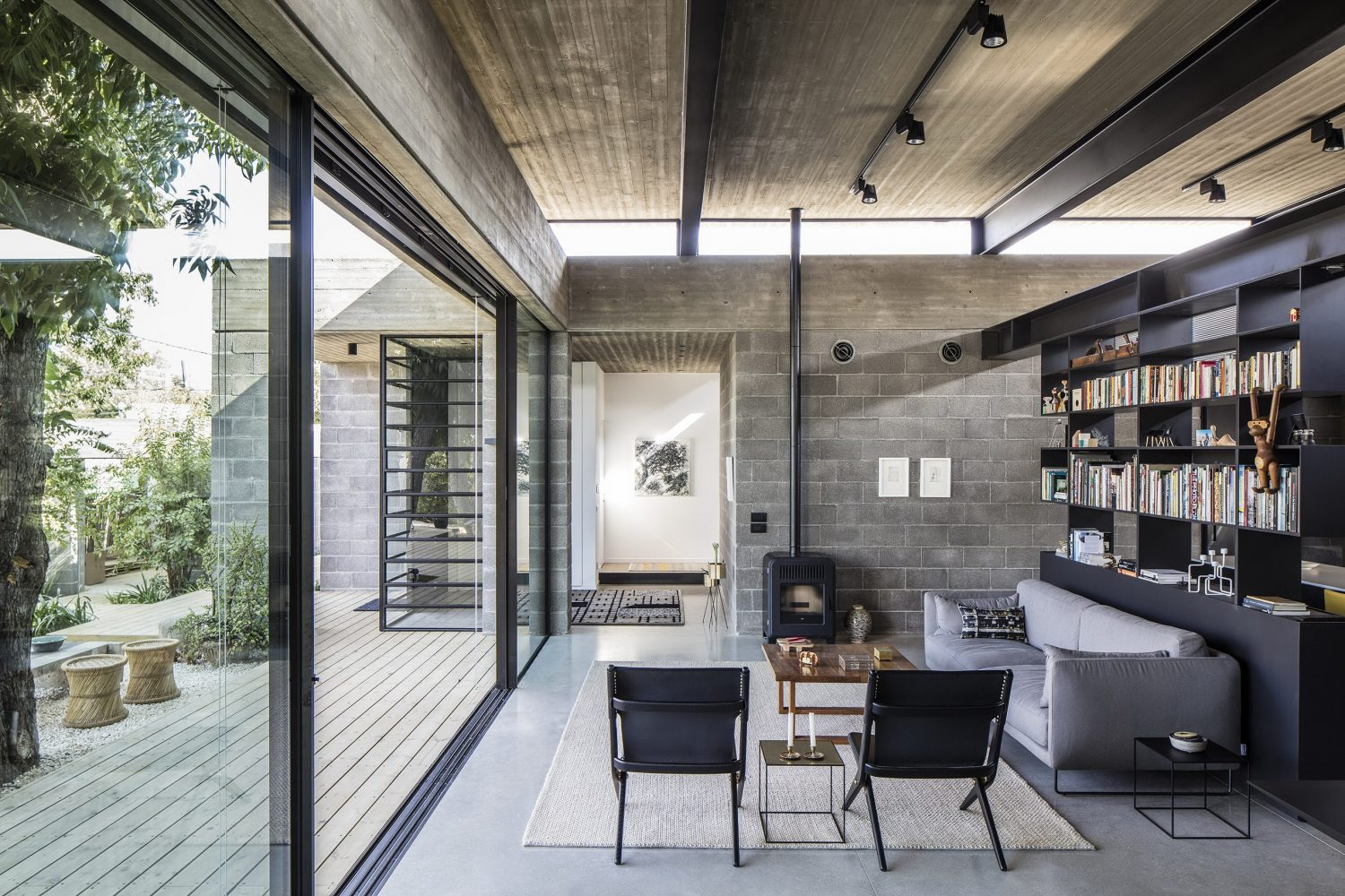 Bare House by Jacobs-Yaniv Architects