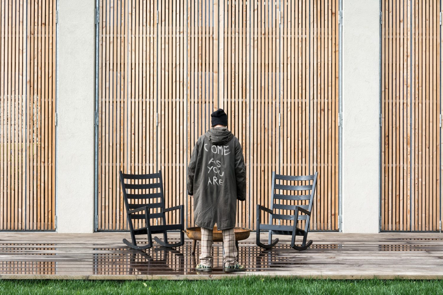 House EFFE-E   Recovered Old Country Barn by Archiplanstudio