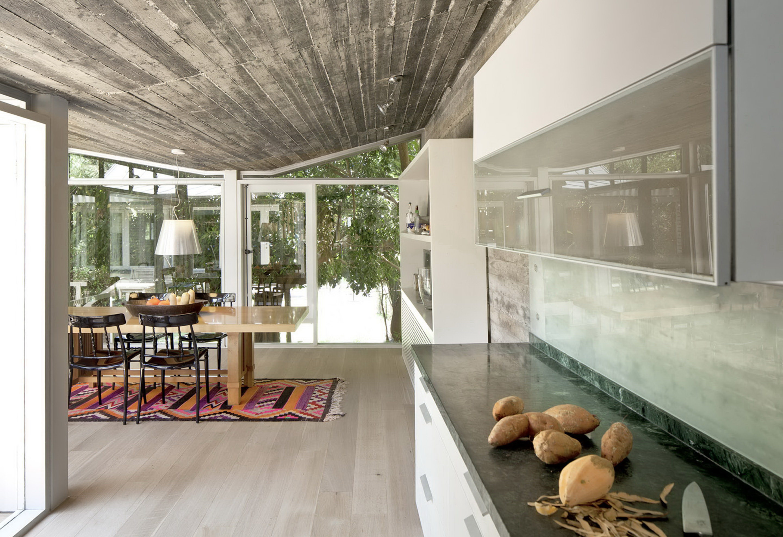 Jaggendorf House by Yaniv Pardo Architects