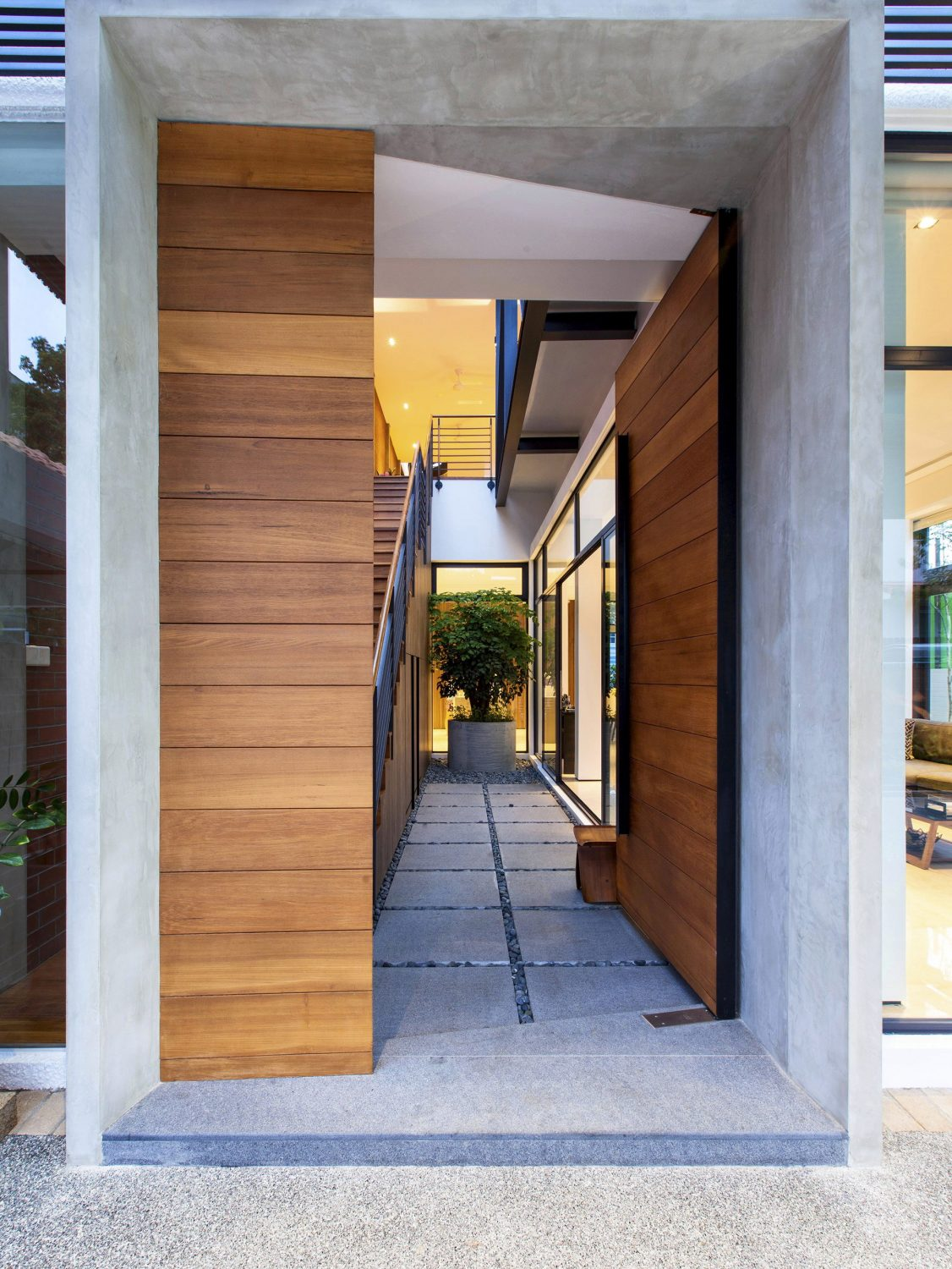 Jalan Remis | The Railway House by Aamer Architects