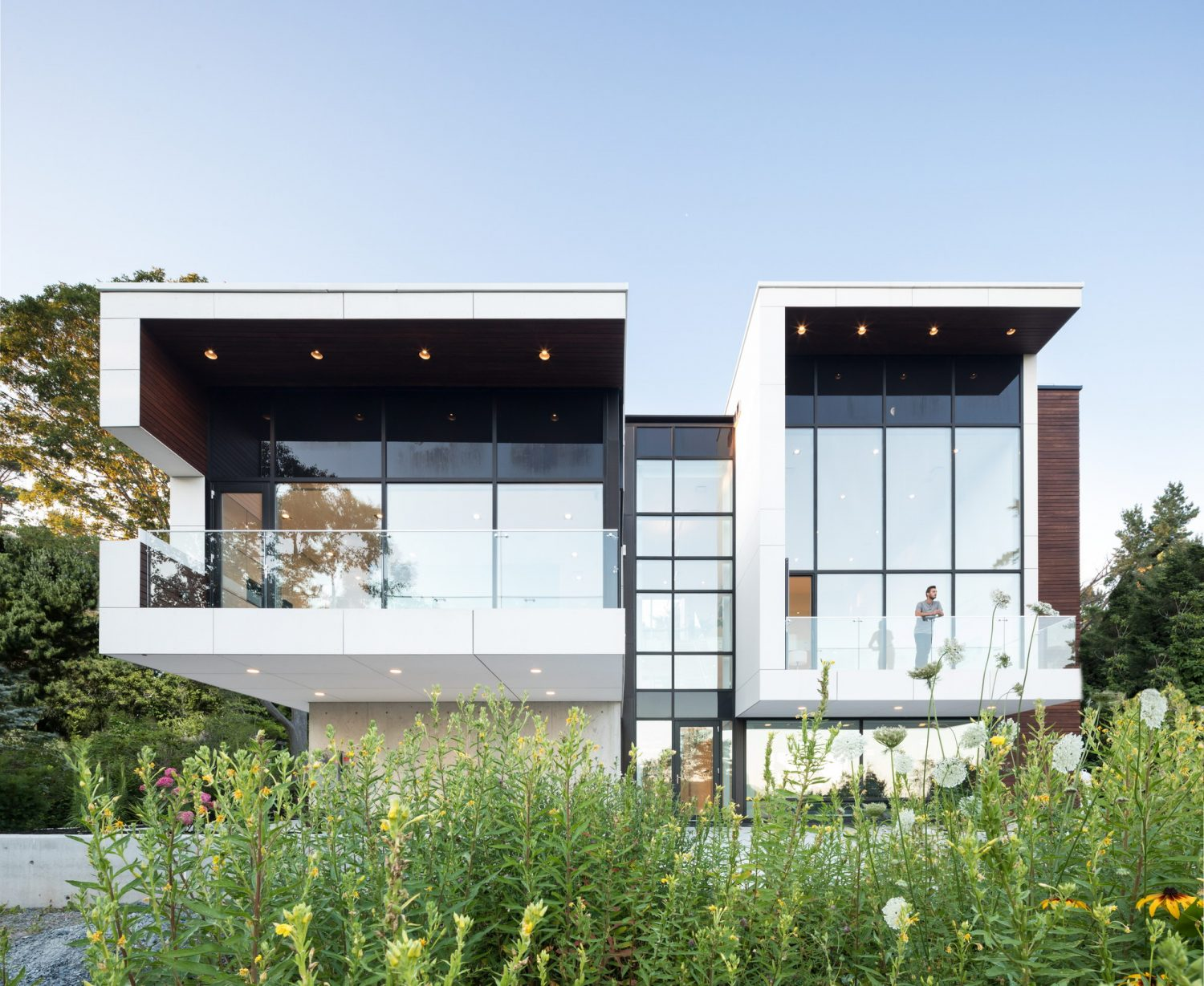 Syncline House by Omar Gandhi Architect