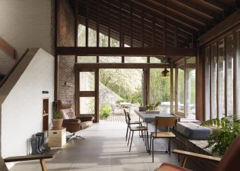 Ansty Plum House and Studio by Coppin Dockray