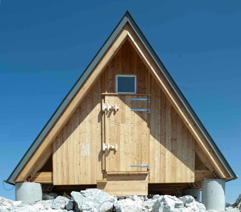 Bivouac Luca Vuerich | A-Frame Shelter by Giovanni Pesamosca Architetto