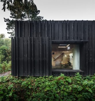 Black Wood House by Marchi Architectes