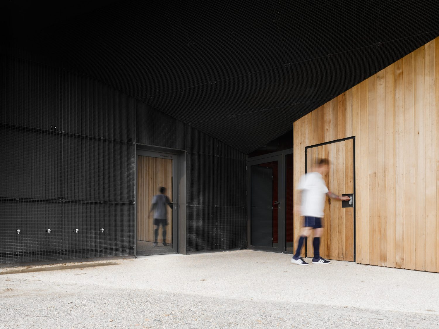 Hidden Locker Rooms by MU Architecture and Les Particules