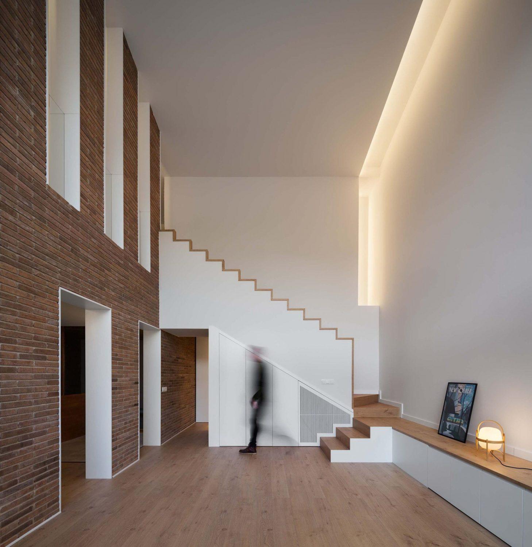 Jordi and Anna House Renovation by Hiha Studio
