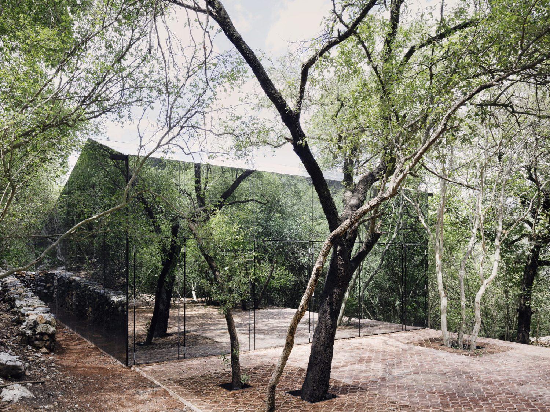 Los Terrenos Mirrored House by Tatiana Bilbao