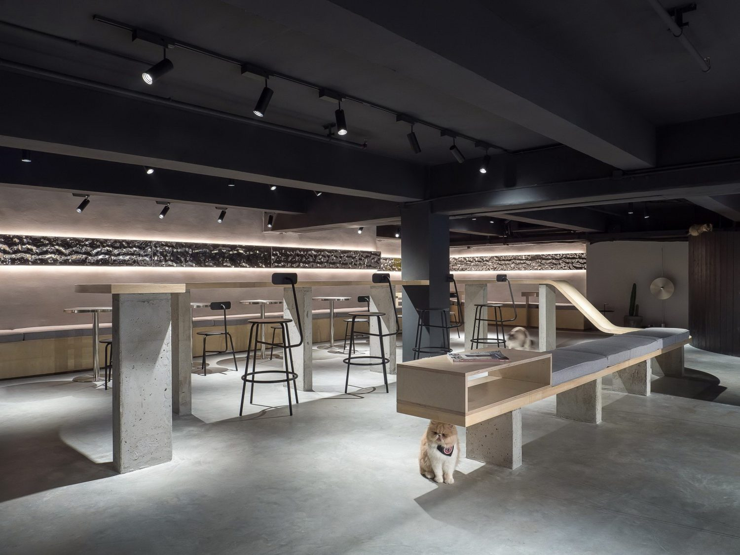 Meow Restaurant by E Studio