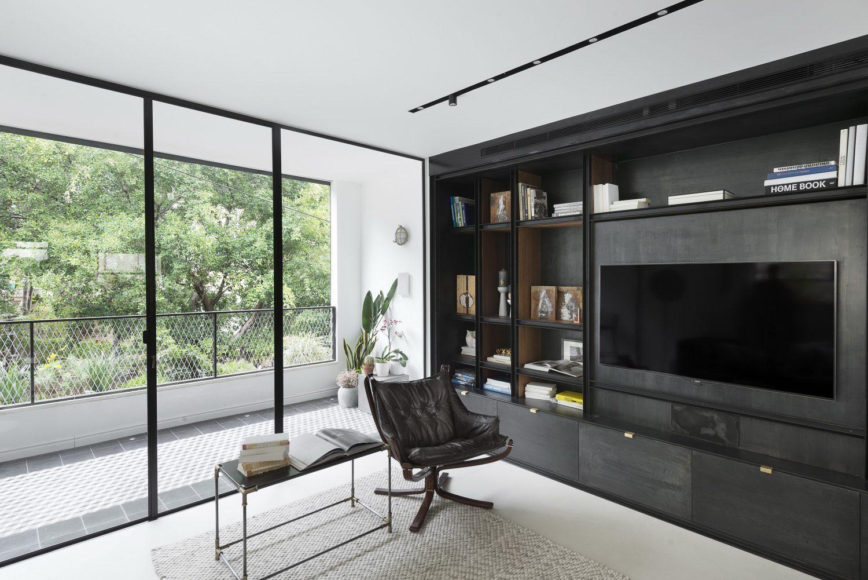 NA HOUSE by Architect Oshir Asaban