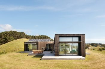 Peka Peka House I by Herriot Melhuish O'Neill Architects