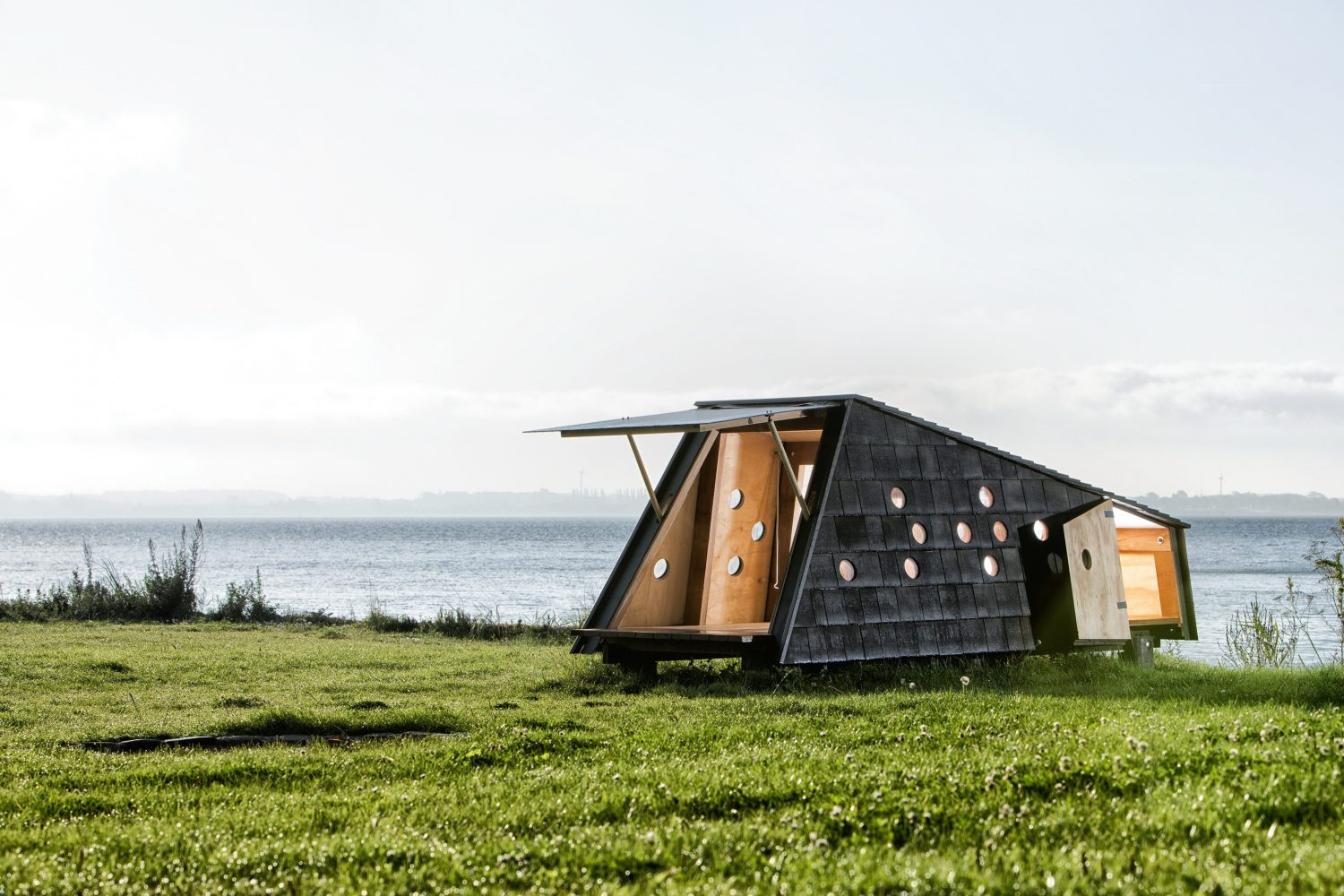 Shelters by the Sea by LUMO Architects
