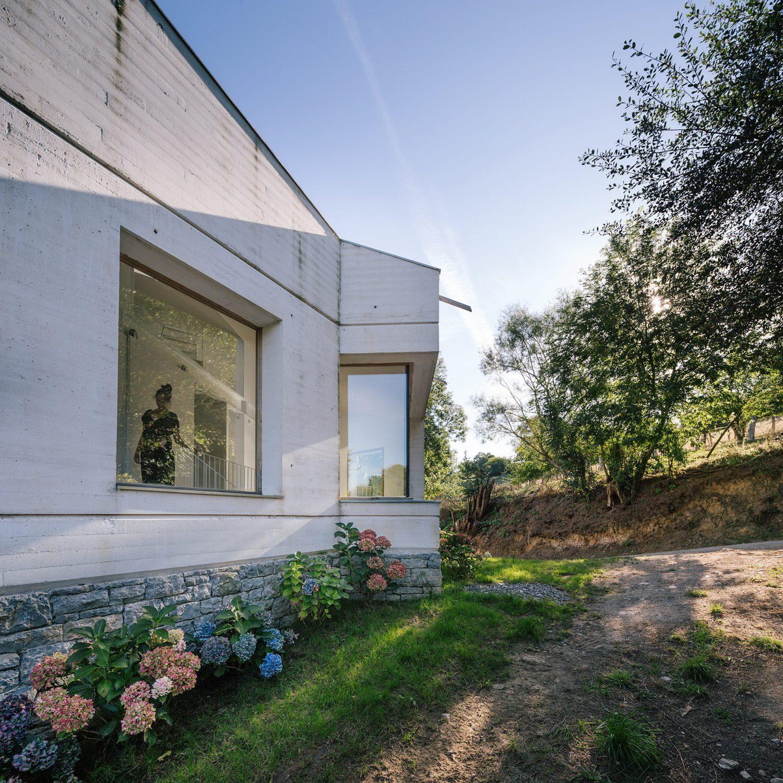 Tmolo House by PYO arquitectos