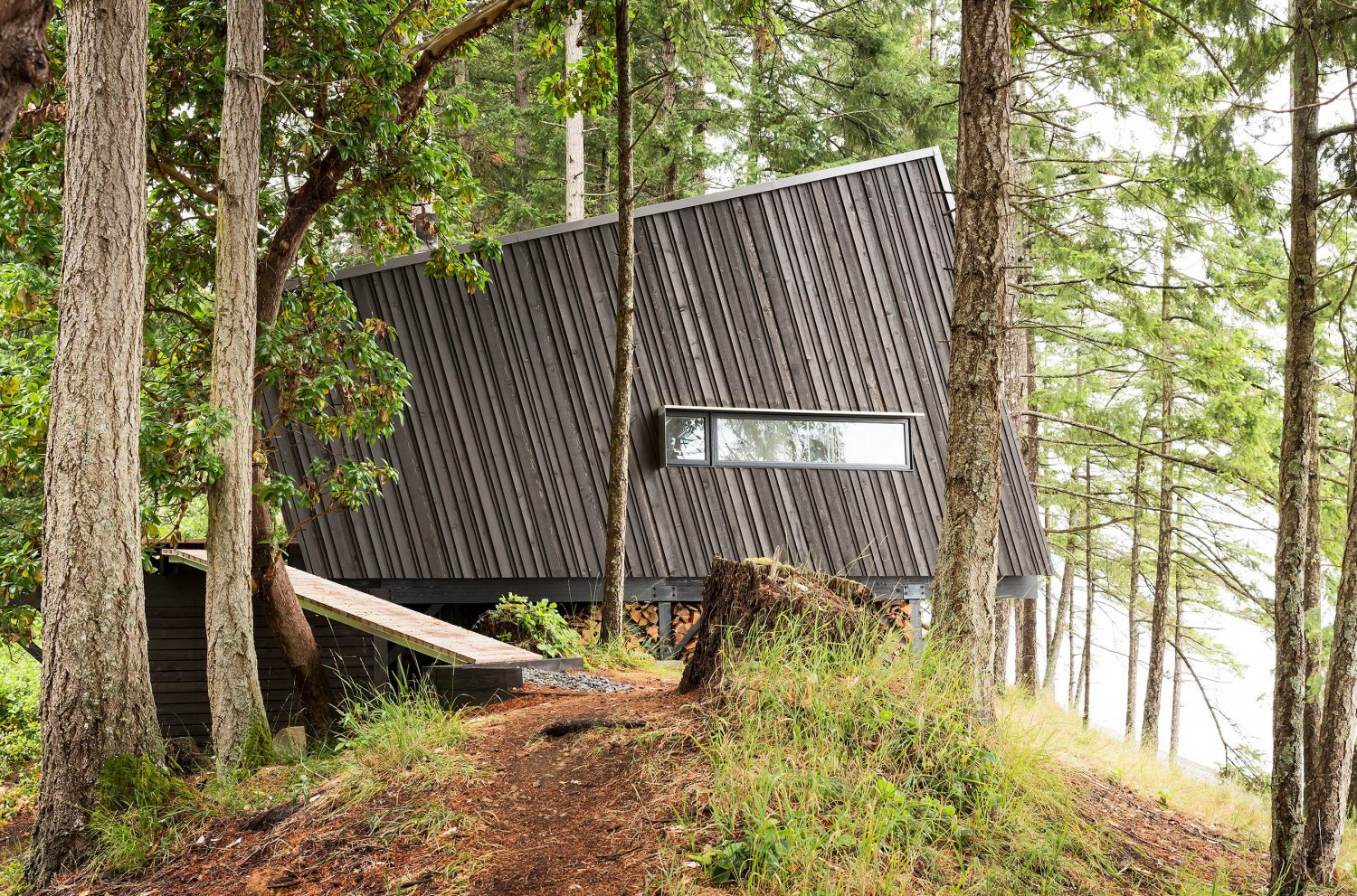 Valdes Island Shack by BattersbyHowat Architects