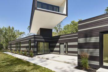 A Bower House by Kariouk Associates