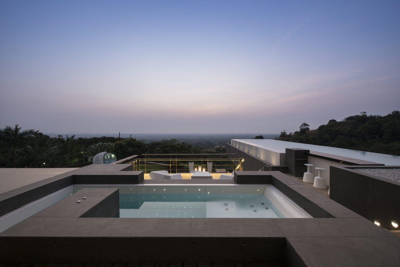 Aurelia - House Under a Pool by SHROFFLEoN