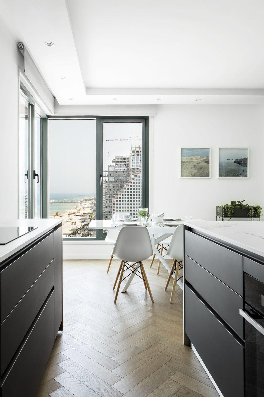 B Apartment by Maya Sheinberger